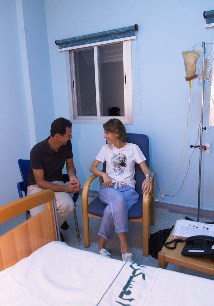Асма Асад в палате с Башаром Асадом